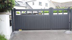 Grey gate 3