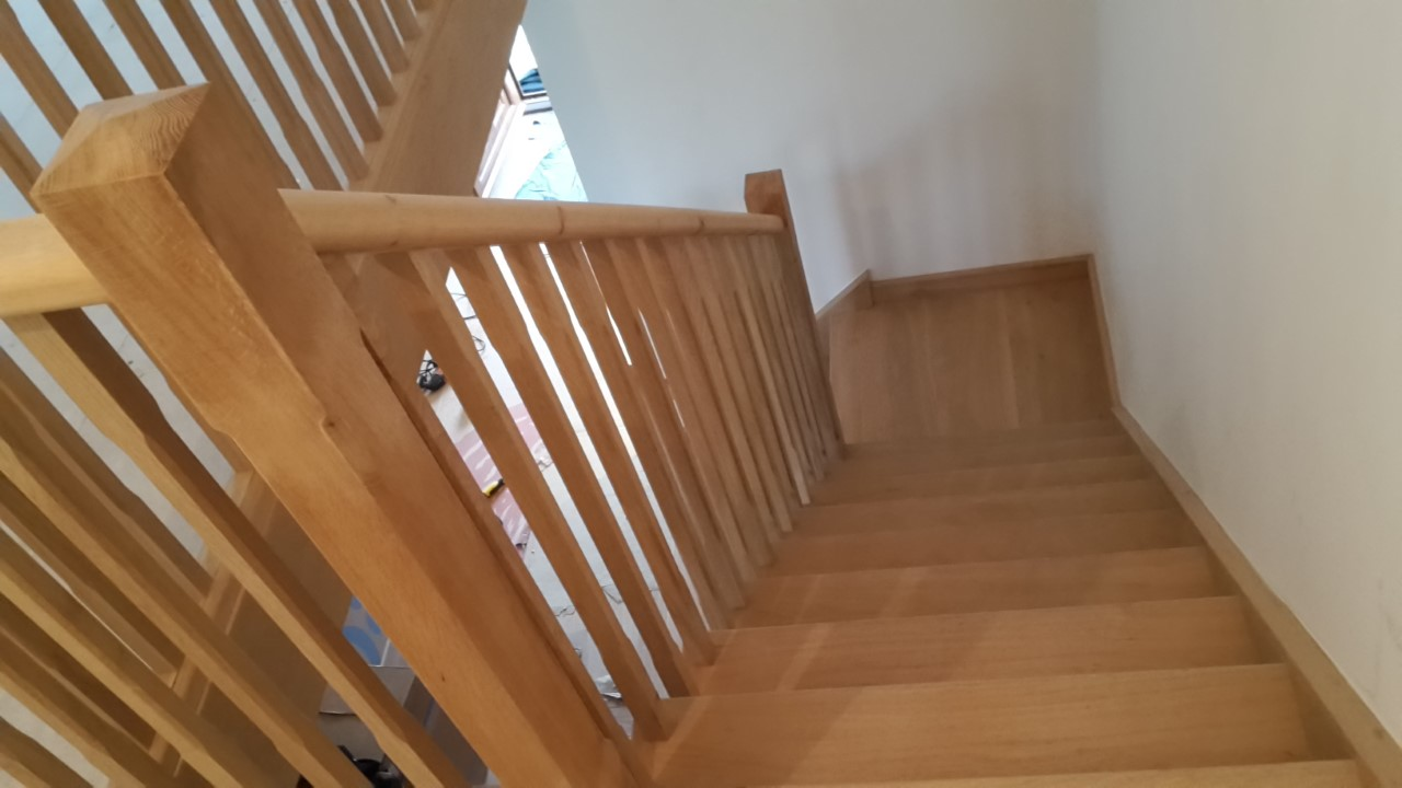 Oak Cut String Staircase Bartlett Joinery And Carpentry
