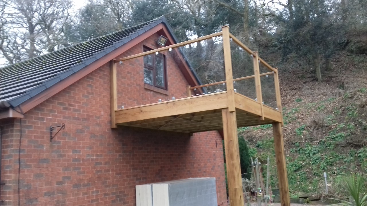 Oak And Glass Balcony Bartlett Joinery And Carpentry